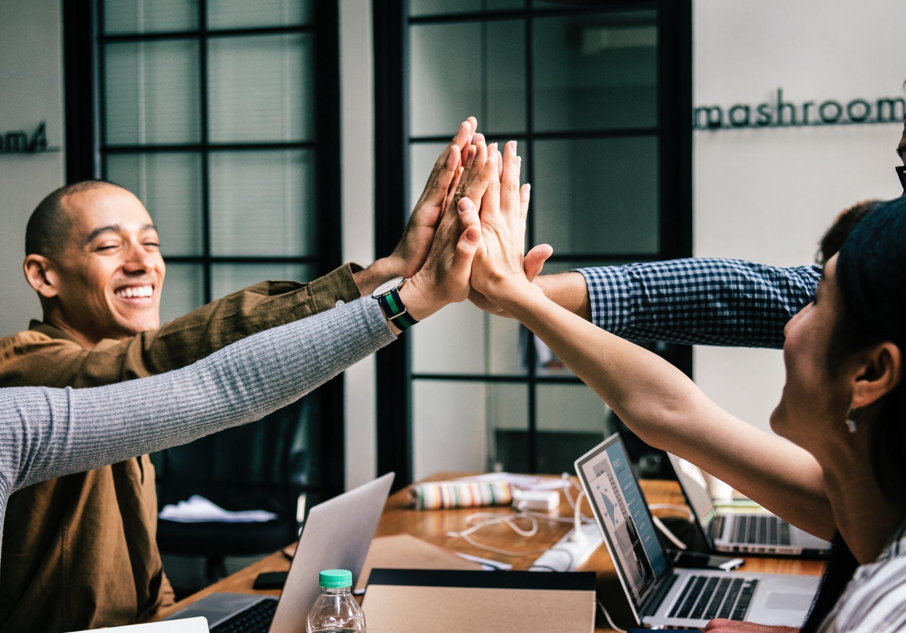 Économie d'une entreprise : le rôle des réseaux sociaux
